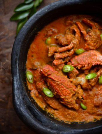 Thenga aracha Njandu curry